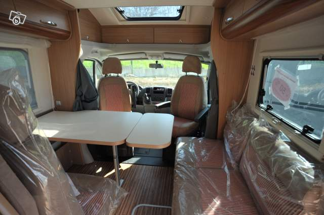 camping-car adriatik 680 SP interieur