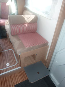 camping-car adriatik 680 SP place