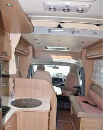 camping-car adriatik 680 SP salon